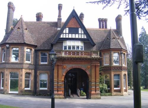 Wardown Park Museum Luton. Calligraphy workshops. Img.jpg